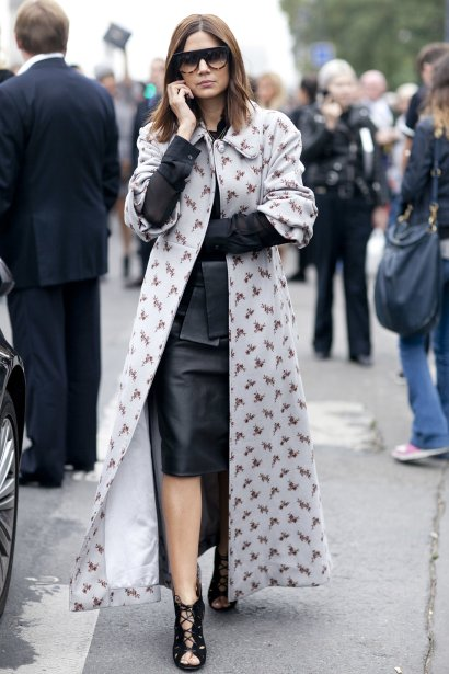 Christine-Centenera-doesnt-mess-around-even-printed-coat