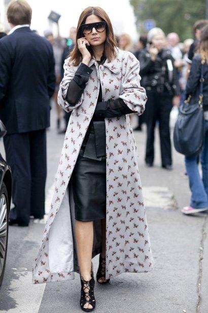 Christine-Centenera-doesnt-mess-around-even-printed-coat